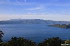 青い十和田湖