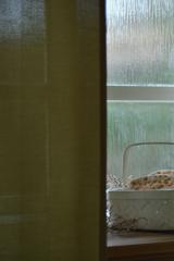 窓辺のパン