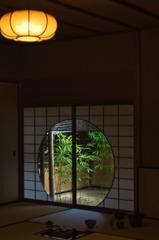 丸窓の茶室