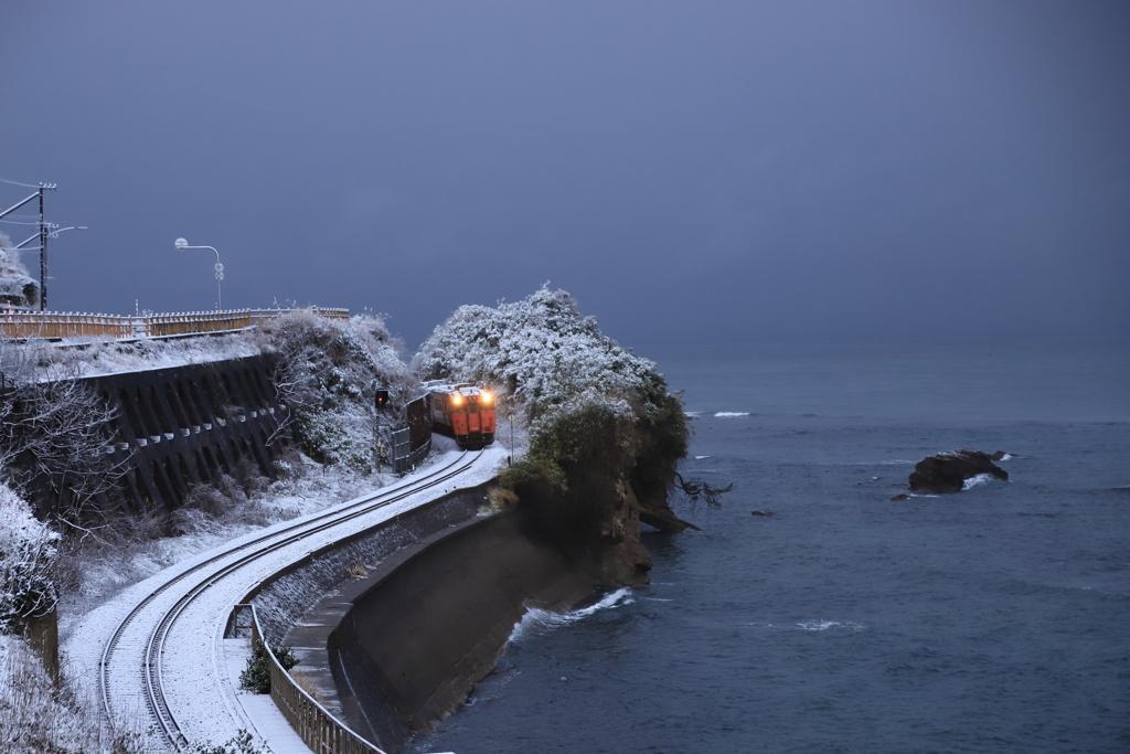 冬の空と海
