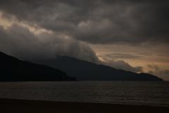 雲に飲まれる敦賀半島