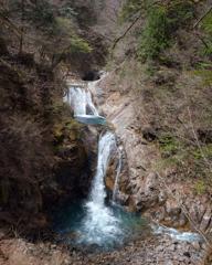 Une montagne de cascades ( 西沢渓谷 )